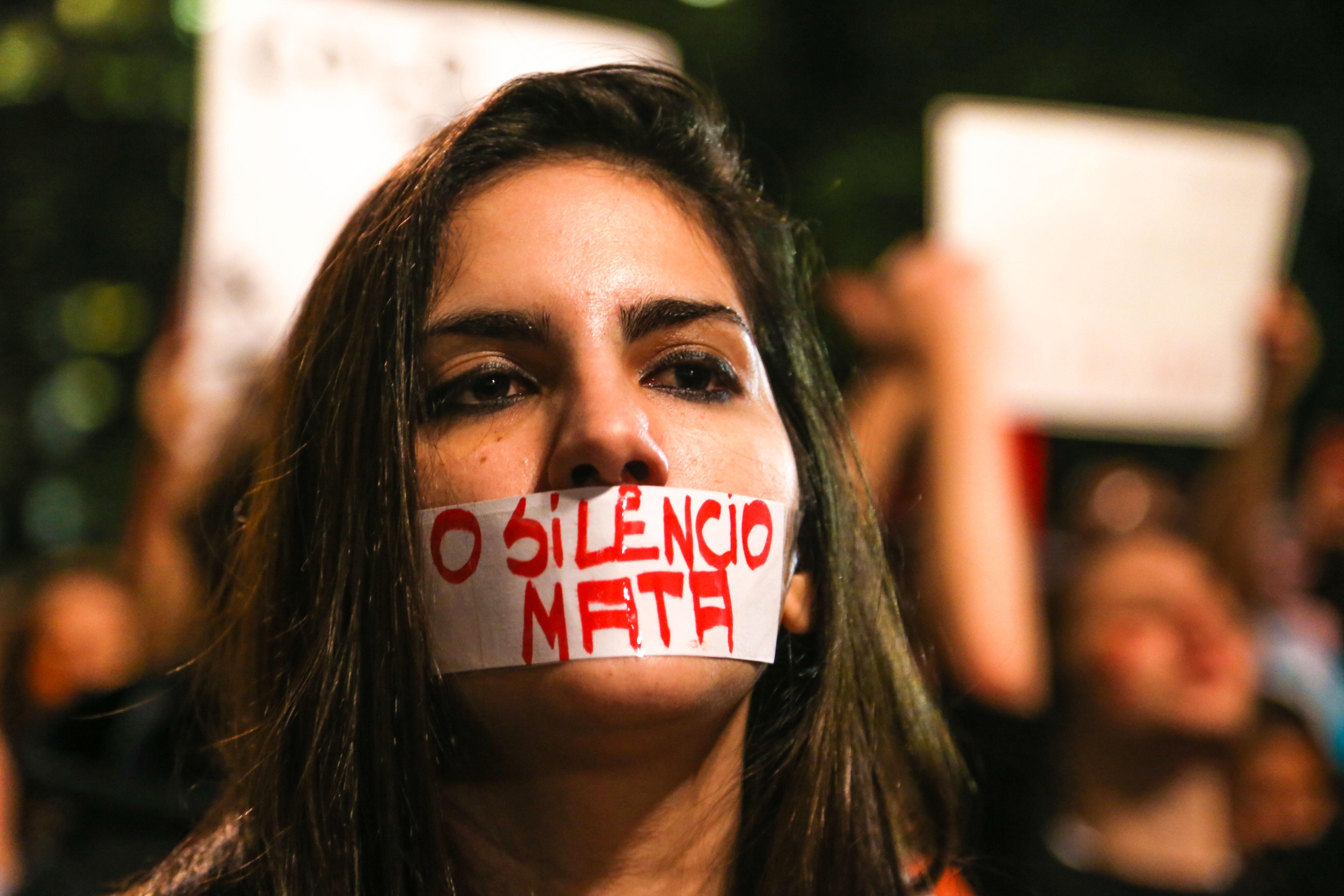 São Paulo 08/06/2016 2º ato Por Todas Elas na Avenida Paulista, contra o estupro. Foto Paulo Pinto/AGPT http://fotospublicas.com/ato-por-todas-elas-reune-mulheres-na-avenida-paulista-para-mais-um-protesto-contra-o-estupro/